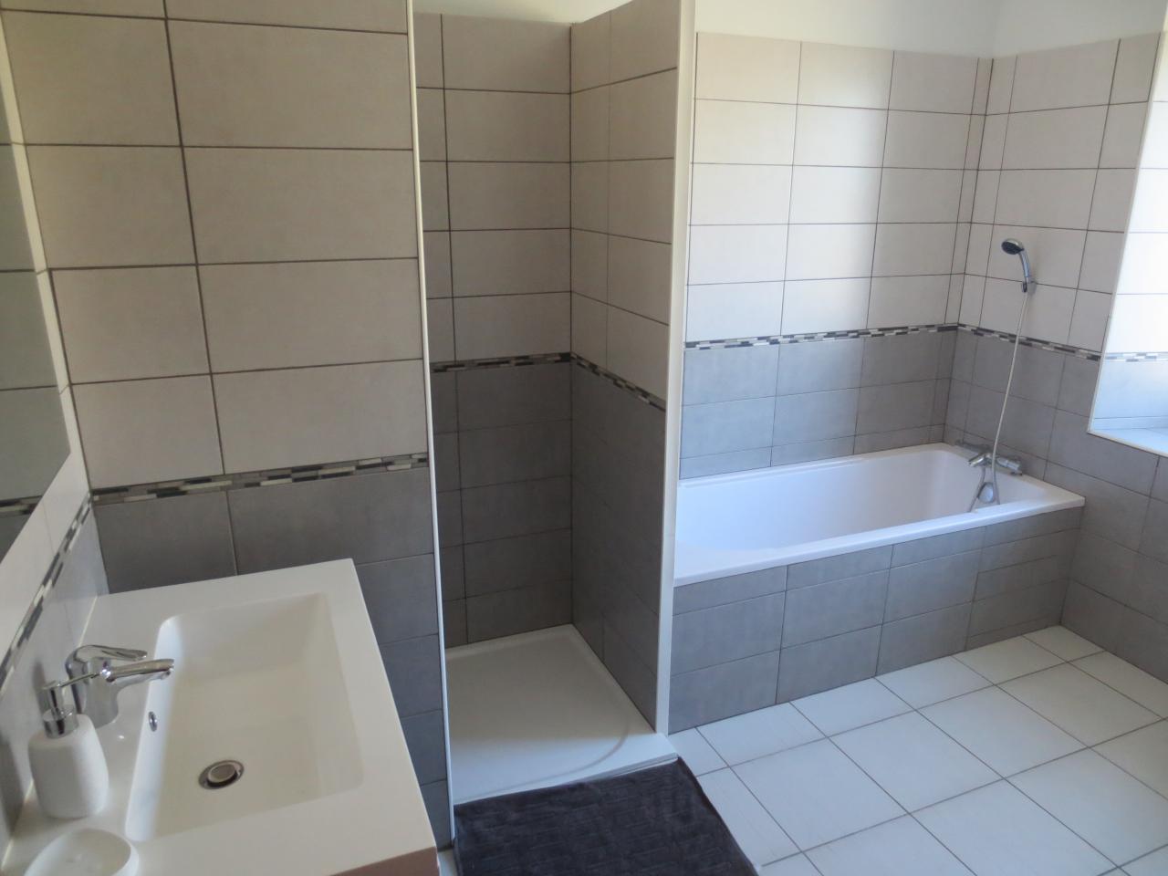 Les chambres et les salles de bain for Chambre et salle de bain